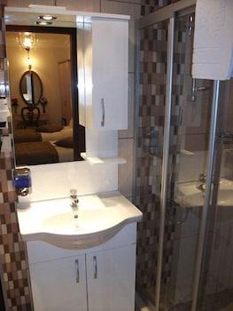 술탄 팰리스 호텔(Sultan Palace Hotel) Hotel Image 43 - Bathroom Sink