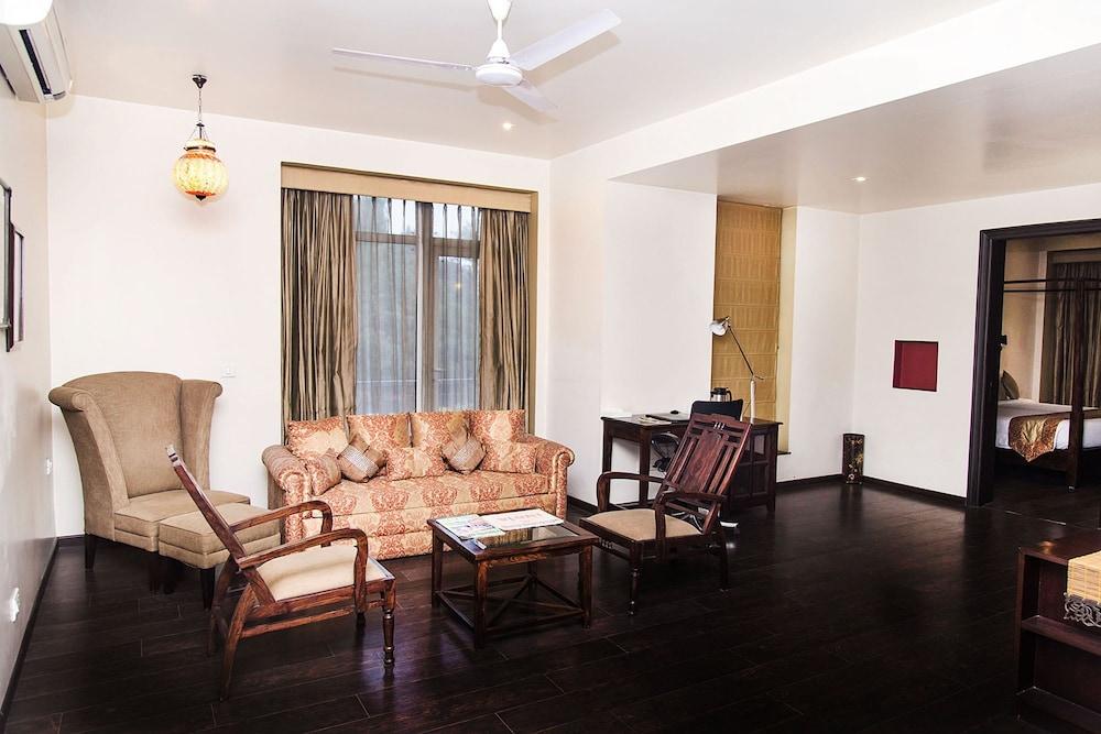 만트라 아말타스(Mantra Amaltas) Hotel Image 18 - Living Room
