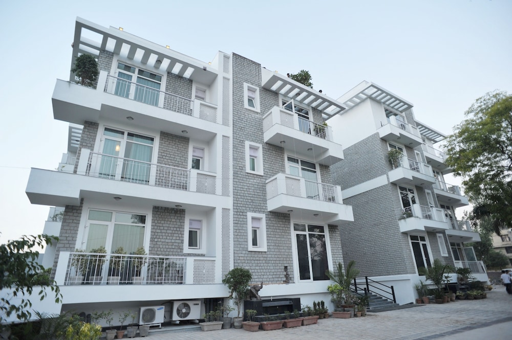 만트라 아말타스(Mantra Amaltas) Hotel Image 0 - Featured Image