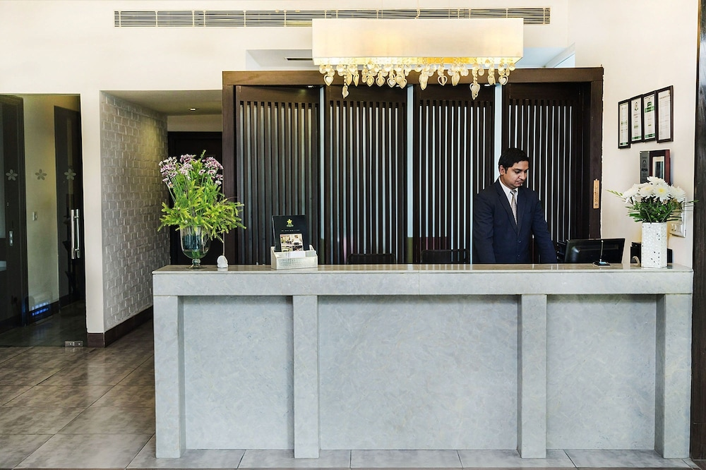 만트라 아말타스(Mantra Amaltas) Hotel Image 4 - Reception