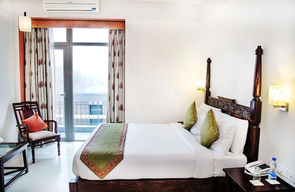 만트라 아말타스(Mantra Amaltas) Hotel Image 11 - Guestroom