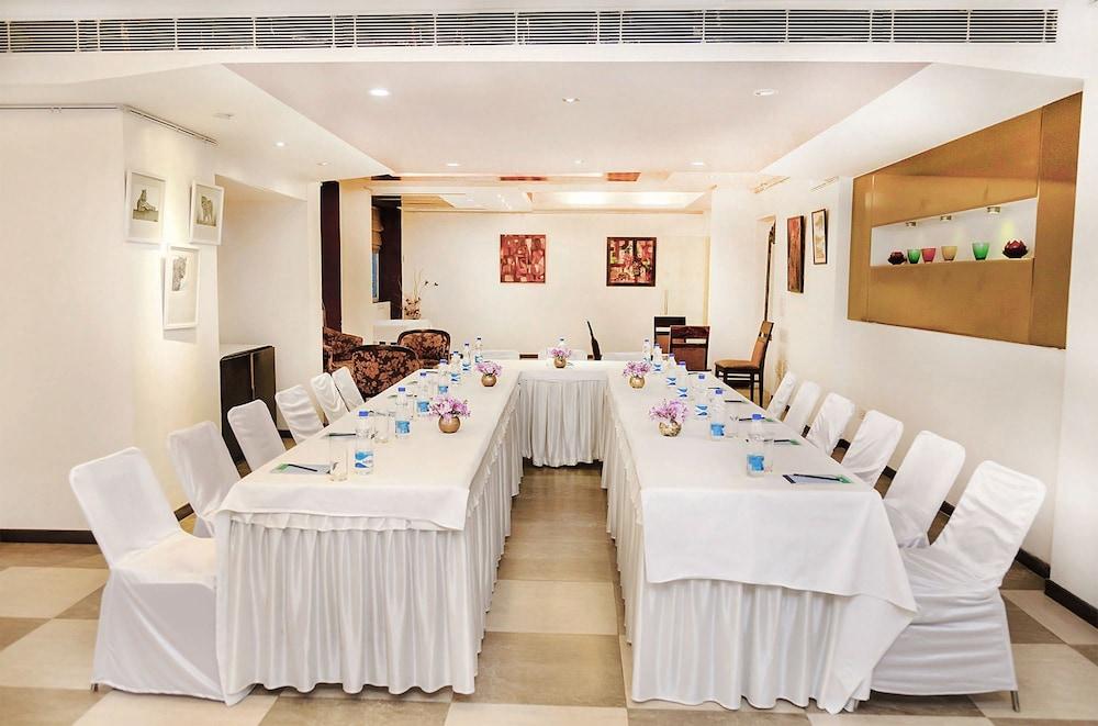 만트라 아말타스(Mantra Amaltas) Hotel Image 46 - Meeting Facility