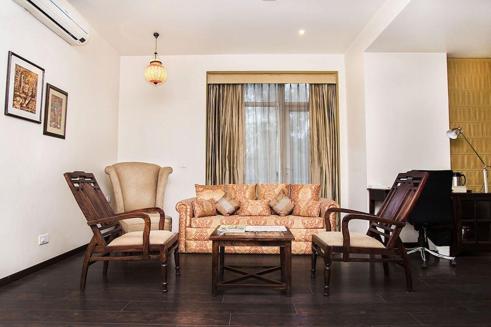 만트라 아말타스(Mantra Amaltas) Hotel Image 16 - Living Area