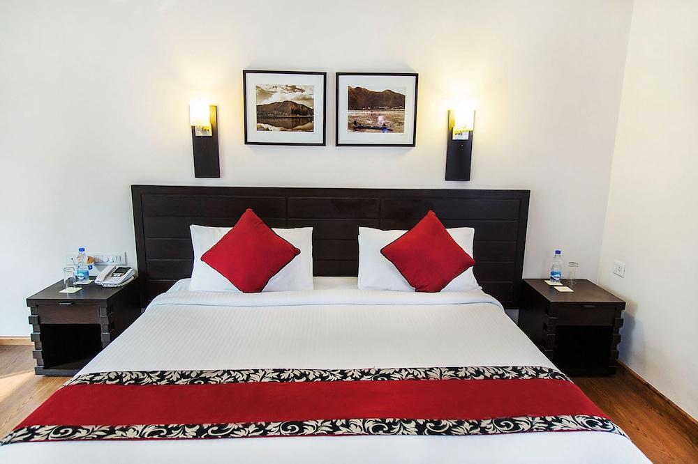 만트라 아말타스(Mantra Amaltas) Hotel Image 12 - Guestroom