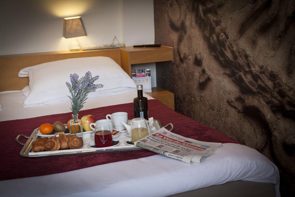 아이레 호텔 앤드 에인션트 배스(Aire Hotel & Ancient Baths) Hotel Image 34 - Room Service - Dining