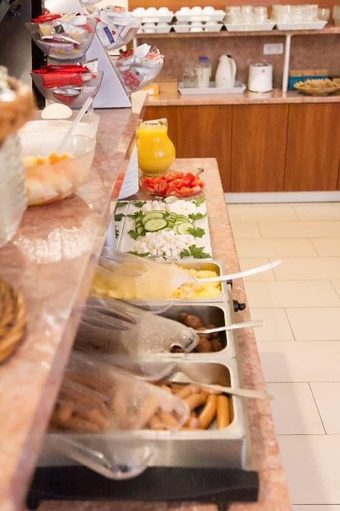호텔 레벤스퀠 암 체크포인트 찰리 베를린(Hotel LebensQuelle am Checkpoint Charlie Berlin) Hotel Image 34 - Breakfast Area