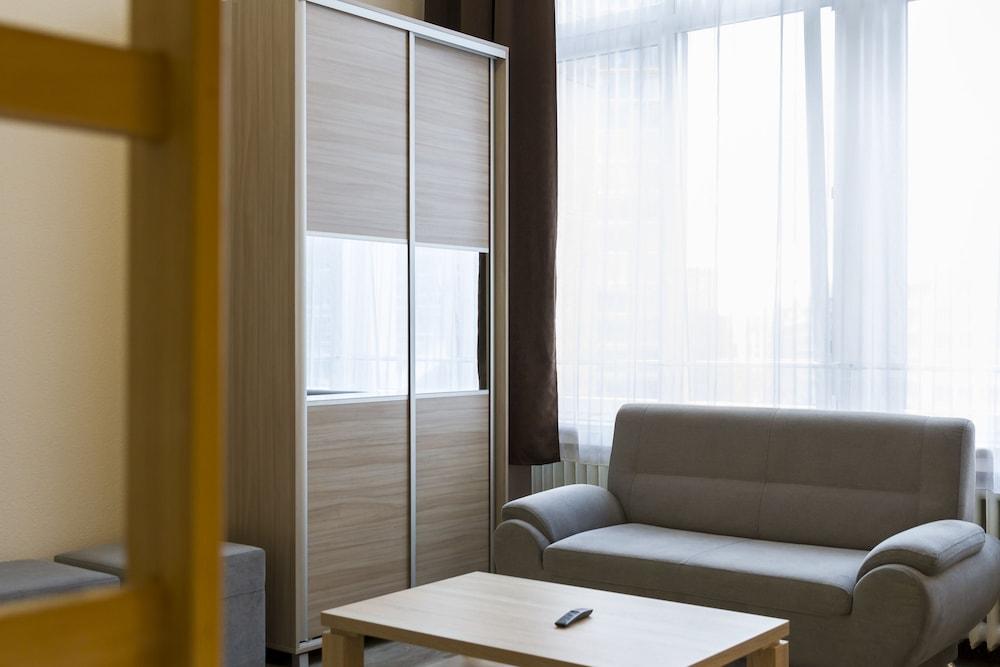 호텔 레벤스퀠 암 체크포인트 찰리 베를린(Hotel LebensQuelle am Checkpoint Charlie Berlin) Hotel Image 22 - Living Area