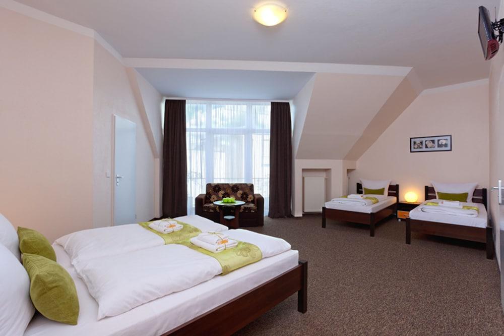 호텔 레벤스퀠 암 체크포인트 찰리 베를린(Hotel LebensQuelle am Checkpoint Charlie Berlin) Hotel Image 6 - Guestroom