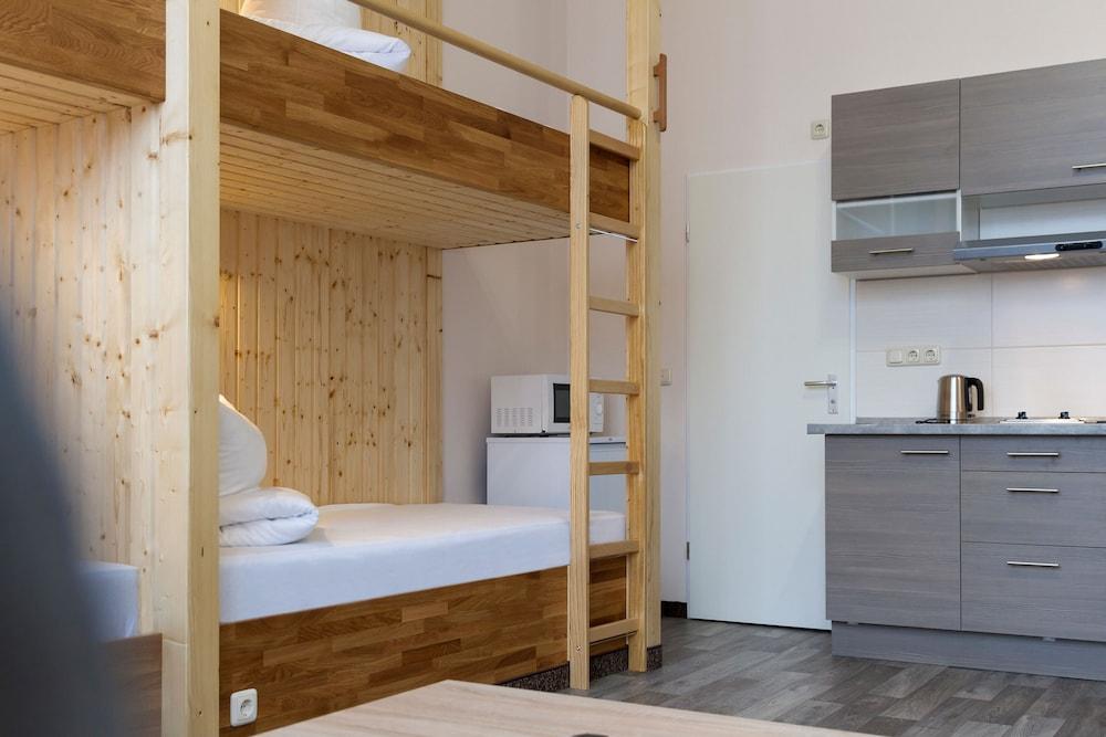 호텔 레벤스퀠 암 체크포인트 찰리 베를린(Hotel LebensQuelle am Checkpoint Charlie Berlin) Hotel Image 14 - Guestroom