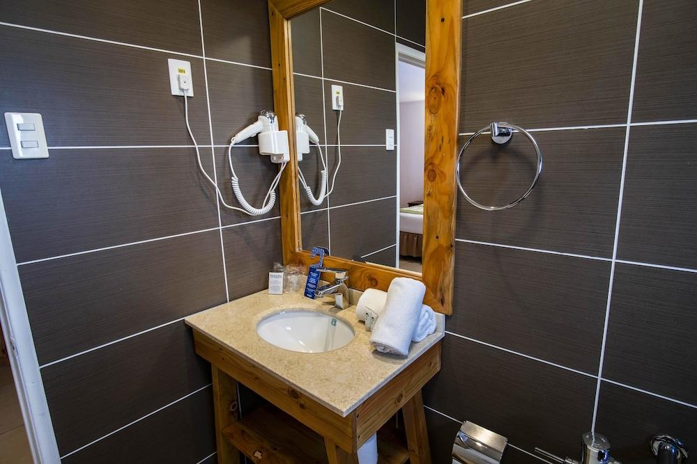타하 타이 호텔(Taha Tai Hotel) Hotel Image 34 - Bathroom