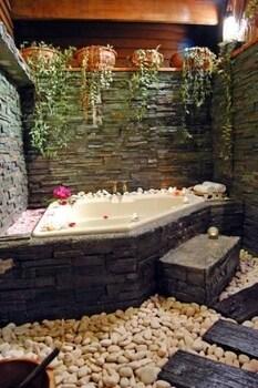 마누칸 아일랜드 리조트(Manukan Island Resort) Hotel Image 31 - Jetted Tub