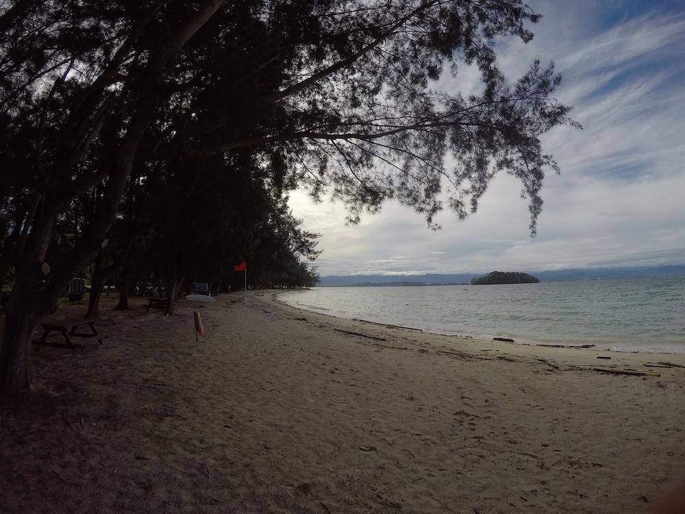 마누칸 아일랜드 리조트(Manukan Island Resort) Hotel Image 46 - Beach