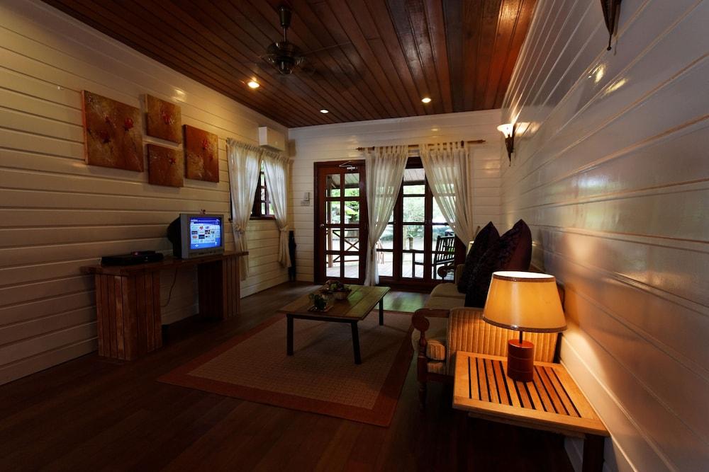 마누칸 아일랜드 리조트(Manukan Island Resort) Hotel Image 18 - Living Area