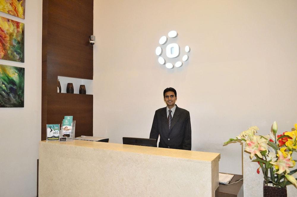옥타브 호텔 & 스파 사르자푸르 로드(Octave Hotel & Spa Sarjapur Rd) Hotel Image 13 - Reception