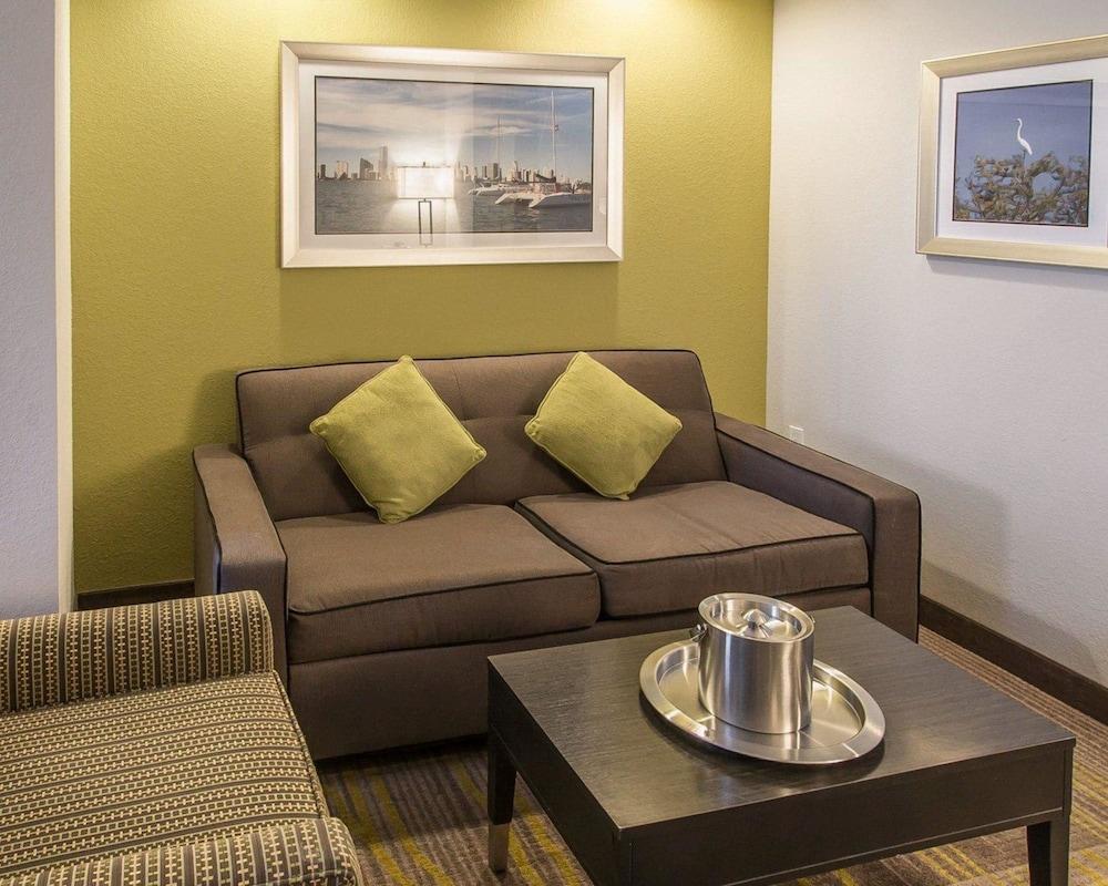 컴포트 스위트 마이애미 에어포트 노스(Comfort Suites Miami Airport North) Hotel Image 17 - Guestroom