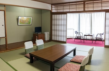 ISHICHO Living Area