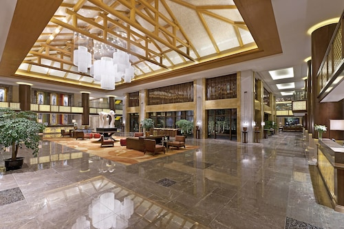 . Sheraton Grand Hangzhou Wetland Park Resort