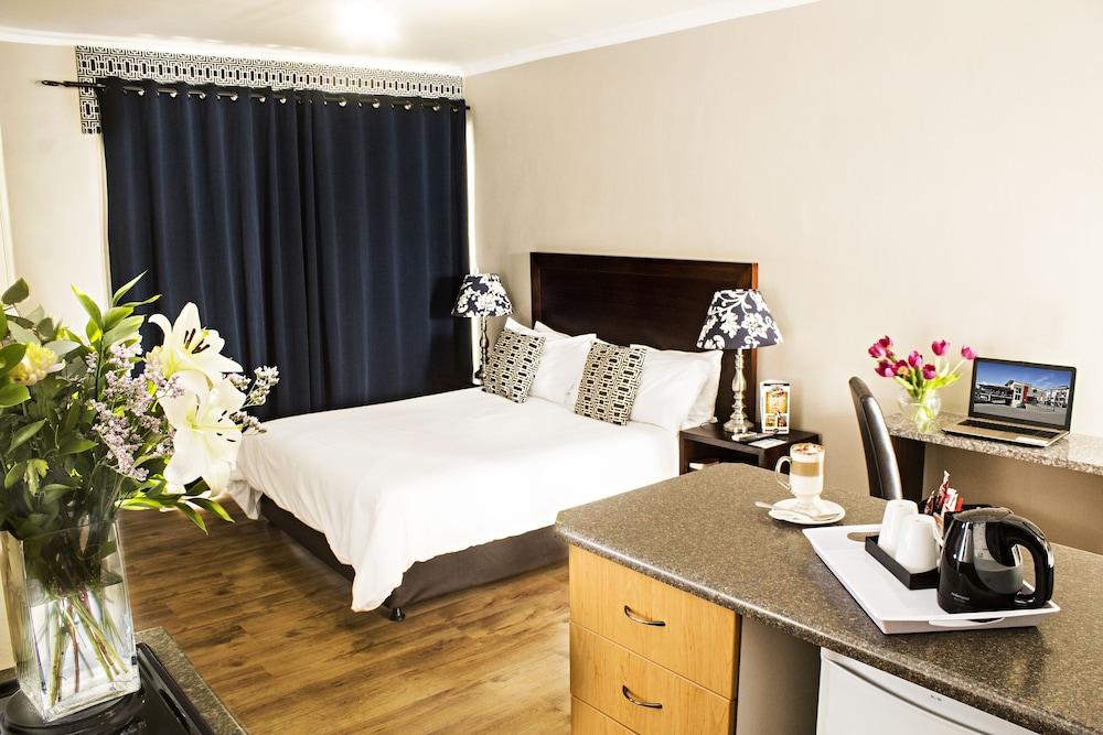 호텔 앳 티짜닌(Hotel@Tzaneen) Hotel Image 13 - Guestroom