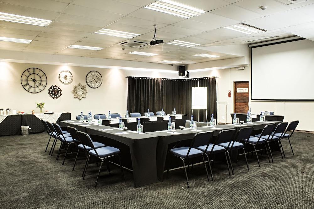 호텔 앳 티짜닌(Hotel@Tzaneen) Hotel Image 43 - Meeting Facility