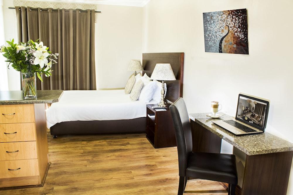 호텔 앳 티짜닌(Hotel@Tzaneen) Hotel Image 14 - Guestroom