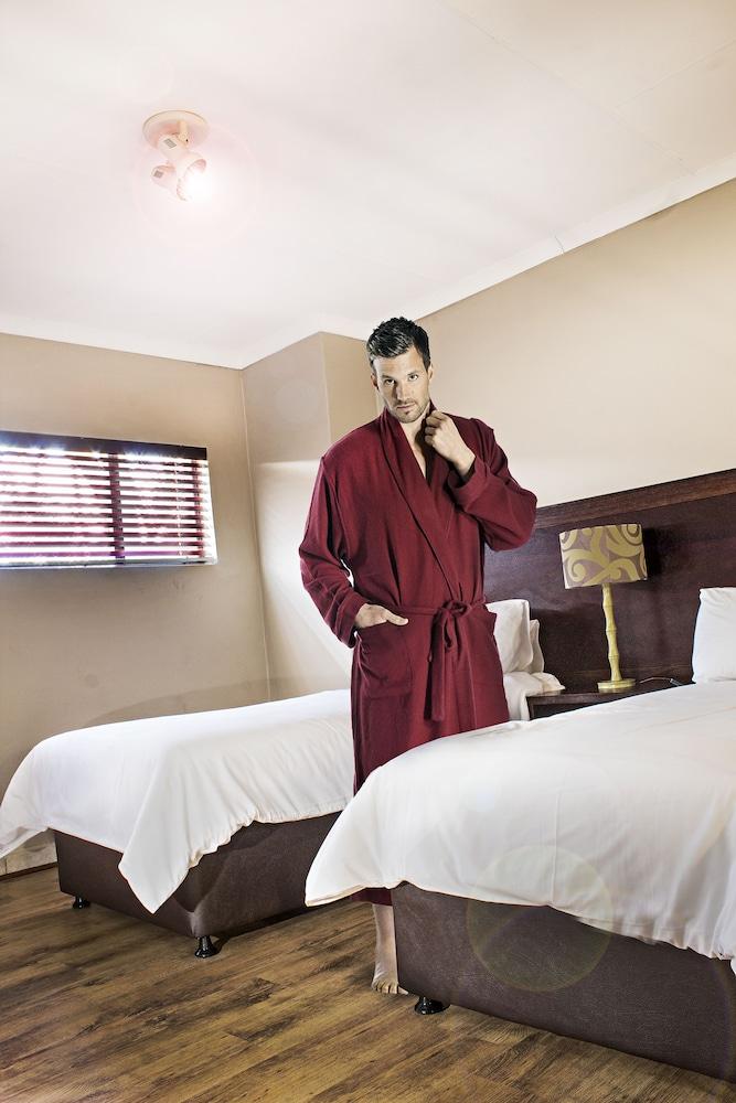 호텔 앳 티짜닌(Hotel@Tzaneen) Hotel Image 15 - Guestroom