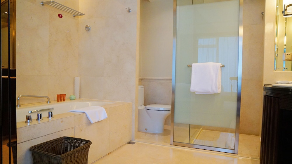 크라운 플라자 난창 리버사이드(Crowne Plaza Nanchang Riverside) Hotel Image 21 - Bathroom