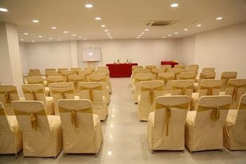더 쿠르존 코트(The Curzon Court) Hotel Image 11 - Ballroom