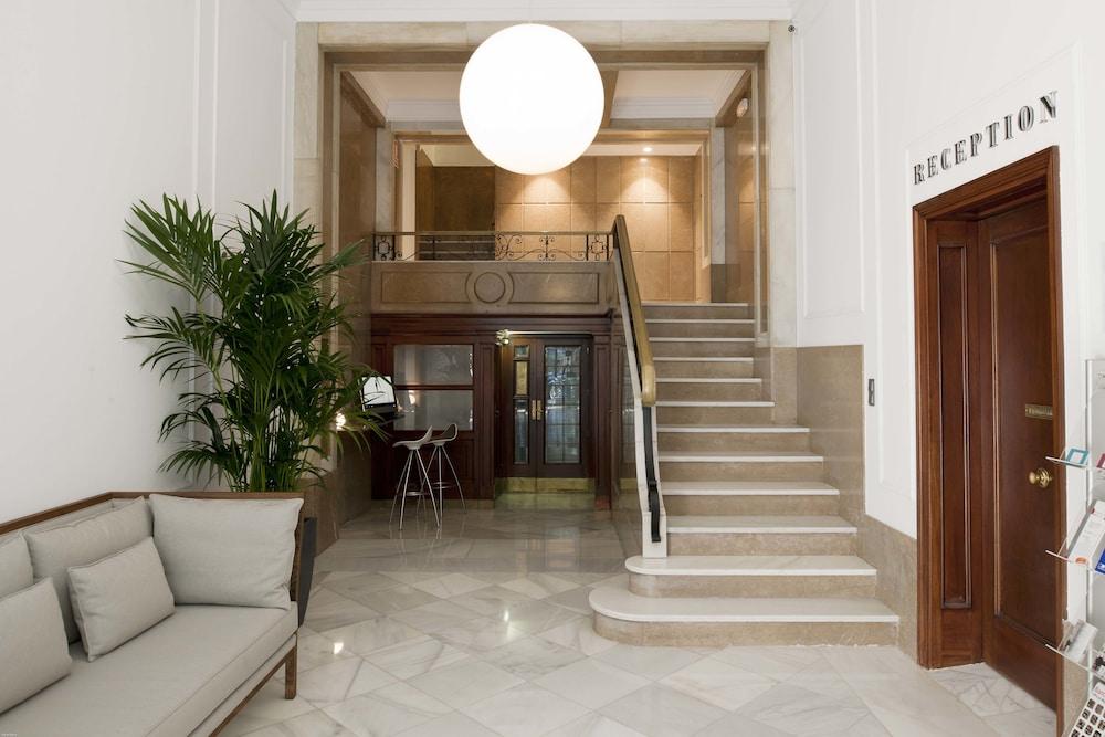 에릭 뵈켈 부티크 아파트먼트 그랑 비아 스위트(Eric Vökel Boutique Apartments Gran Vía Suites) Hotel Image 20 - Staircase