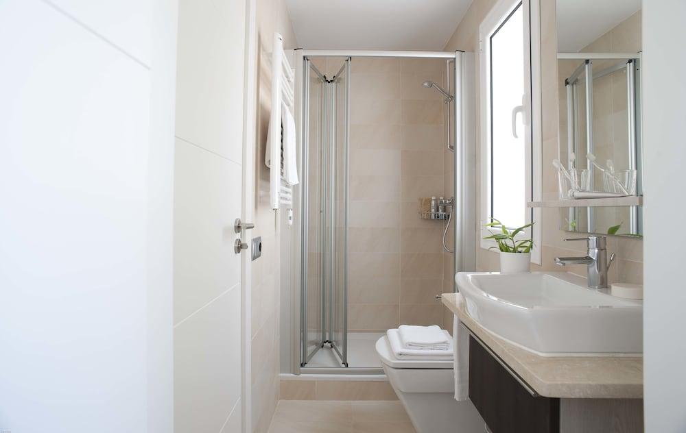 에릭 뵈켈 부티크 아파트먼트 그랑 비아 스위트(Eric Vökel Boutique Apartments Gran Vía Suites) Hotel Image 18 - Bathroom