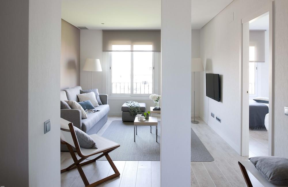 에릭 뵈켈 부티크 아파트먼트 그랑 비아 스위트(Eric Vökel Boutique Apartments Gran Vía Suites) Hotel Image 17 - Guestroom View