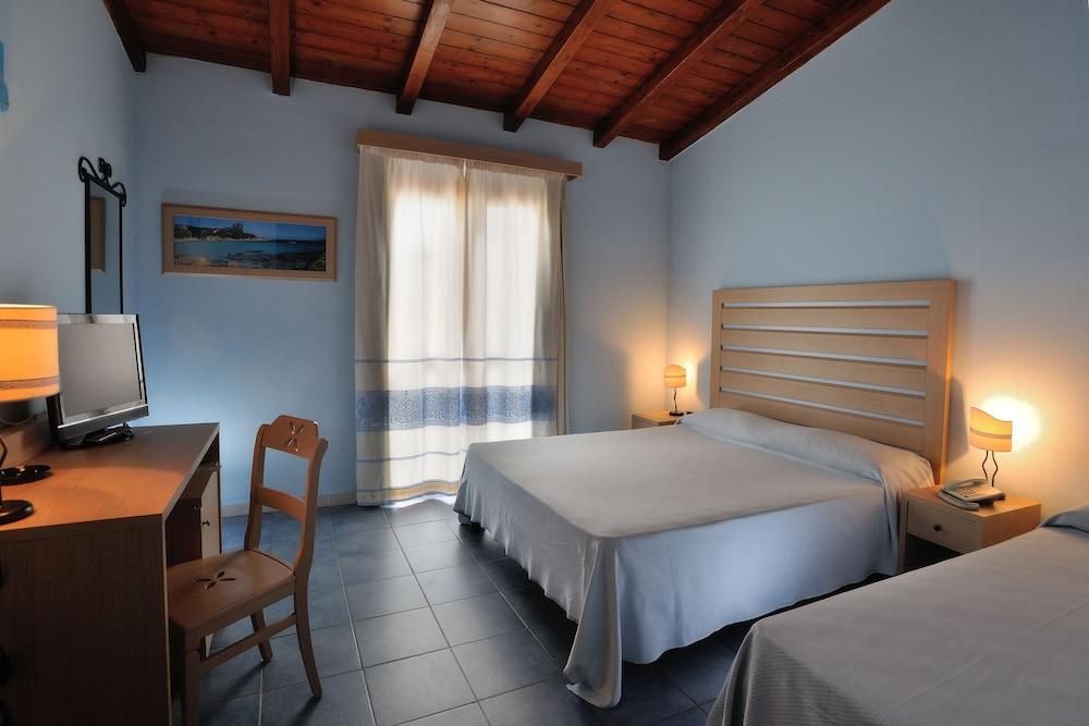 칼라 델라 토레(Cala della Torre) Hotel Image 5 - Guestroom