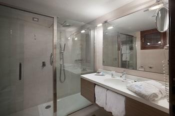 Deluxe Double Room, Partial Ocean View