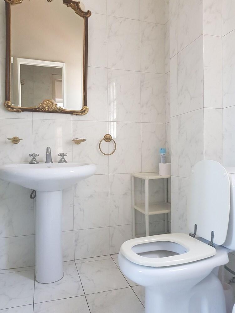 레오나르도 다 빈치 레지던스(Leonardo Da Vinci Residence) Hotel Image 159 - Bathroom