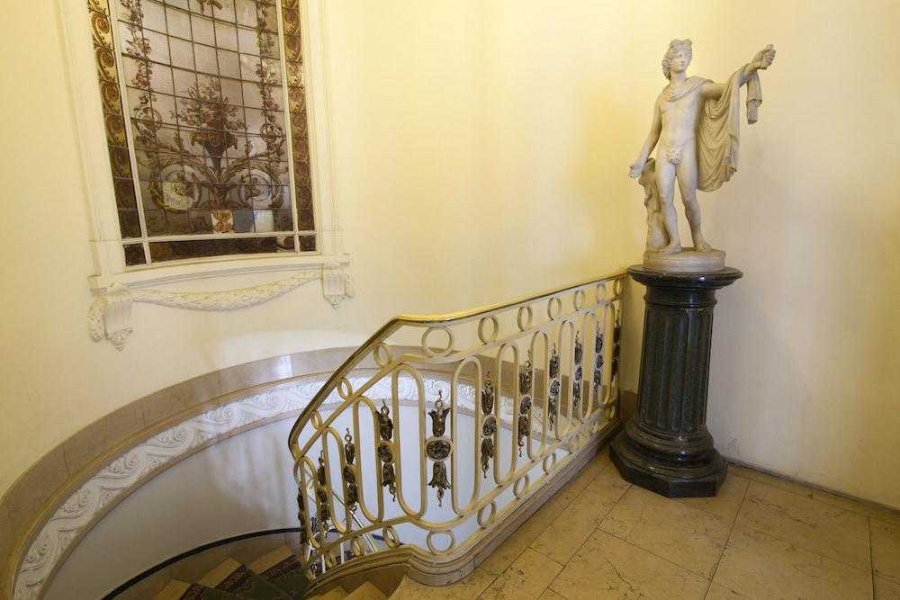 레오나르도 다 빈치 레지던스(Leonardo Da Vinci Residence) Hotel Image 183 - Staircase