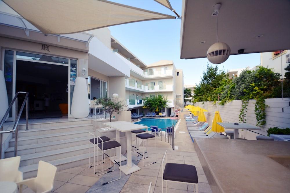 디미트리오스 비치(Dimitrios Beach) Hotel Image 39 - Hotel Front
