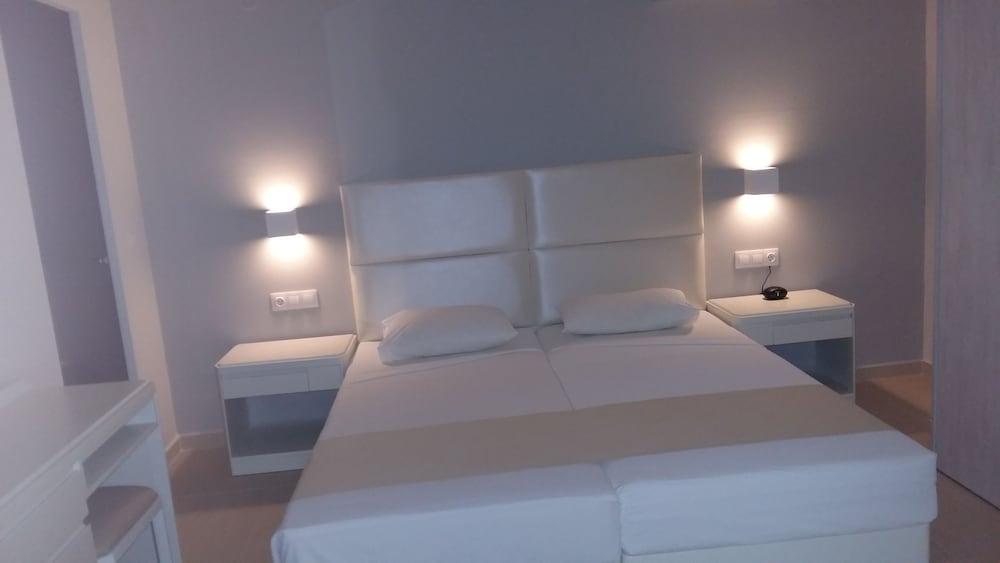 디미트리오스 비치(Dimitrios Beach) Hotel Image 5 - Guestroom