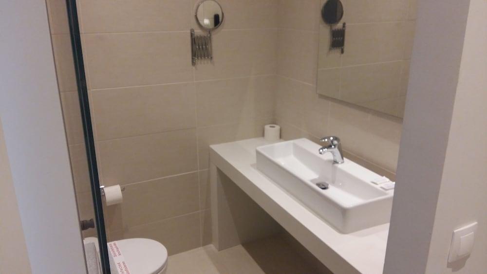 디미트리오스 비치(Dimitrios Beach) Hotel Image 22 - Bathroom
