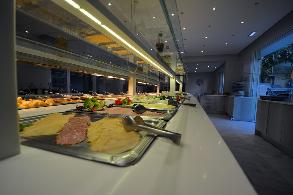 디미트리오스 비치(Dimitrios Beach) Hotel Image 37 - Breakfast buffet