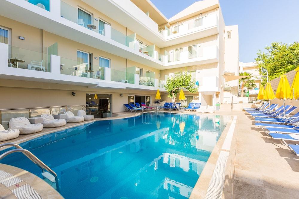 디미트리오스 비치(Dimitrios Beach) Hotel Image 32 - Outdoor Pool