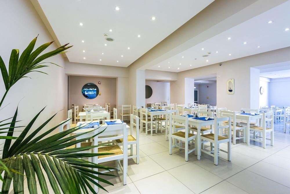 디미트리오스 비치(Dimitrios Beach) Hotel Image 35 - Restaurant