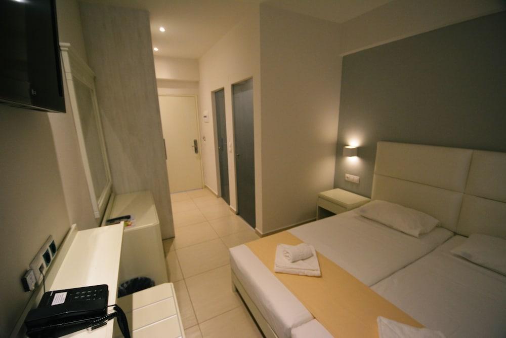 디미트리오스 비치(Dimitrios Beach) Hotel Image 14 - Guestroom