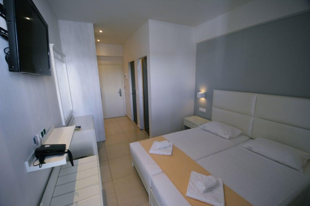 디미트리오스 비치(Dimitrios Beach) Hotel Image 21 - Guestroom