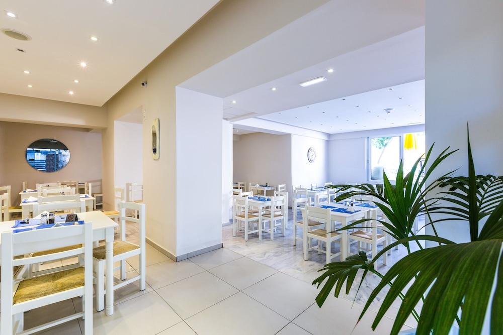 디미트리오스 비치(Dimitrios Beach) Hotel Image 34 - Restaurant