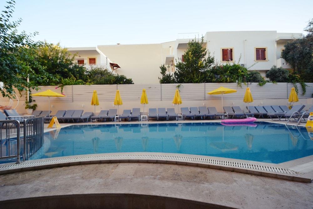 디미트리오스 비치(Dimitrios Beach) Hotel Image 4 - Pool