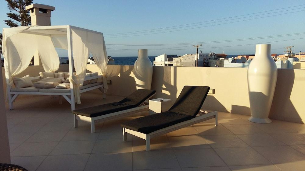 디미트리오스 비치(Dimitrios Beach) Hotel Image 44 - Terrace/Patio