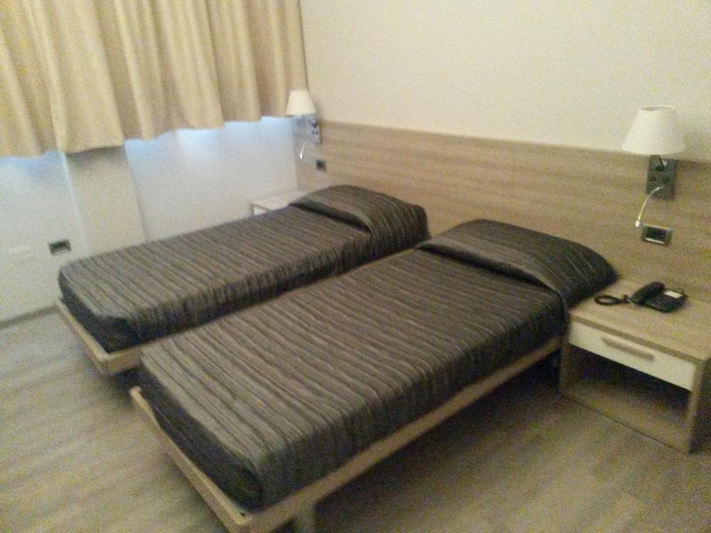 호텔 애틀랜틱 메우블레(Hotel Atlantic Meublè) Hotel Image 37 - Guestroom
