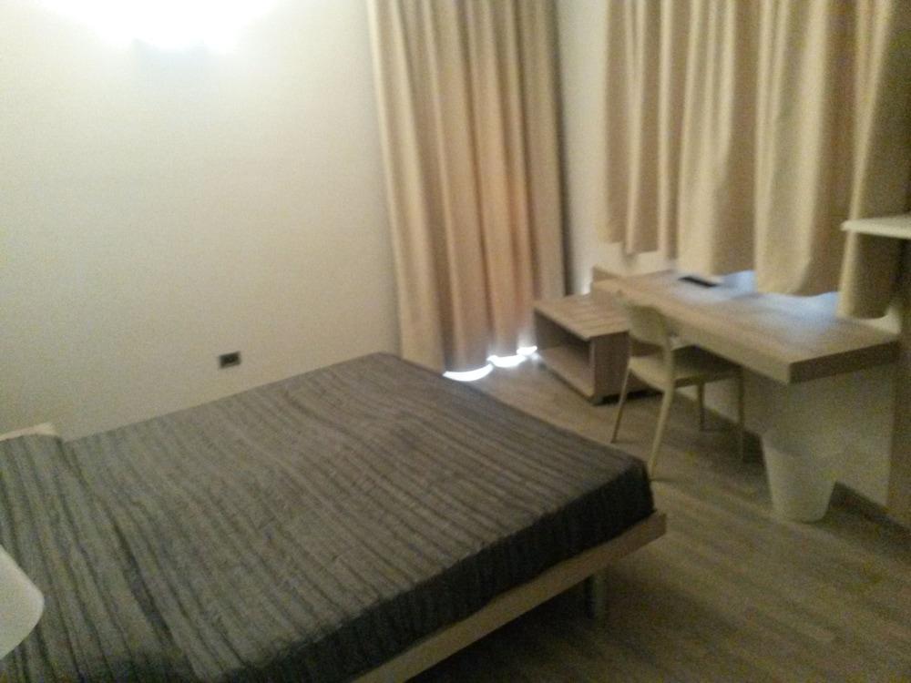 호텔 애틀랜틱 메우블레(Hotel Atlantic Meublè) Hotel Image 26 - Guestroom