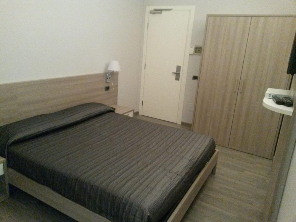 호텔 애틀랜틱 메우블레(Hotel Atlantic Meublè) Hotel Image 17 - Guestroom