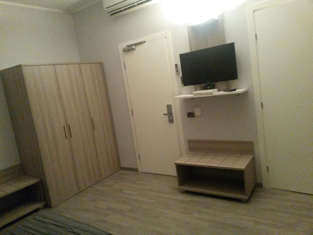 호텔 애틀랜틱 메우블레(Hotel Atlantic Meublè) Hotel Image 34 - Guestroom