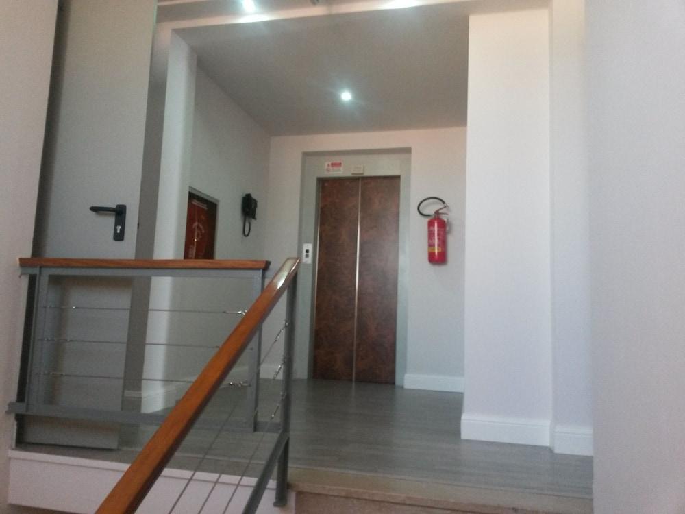 호텔 애틀랜틱 메우블레(Hotel Atlantic Meublè) Hotel Image 27 - Interior Entrance